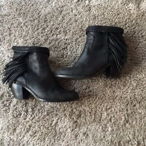 Sam Edelman Louie fringe black boots zip up 7